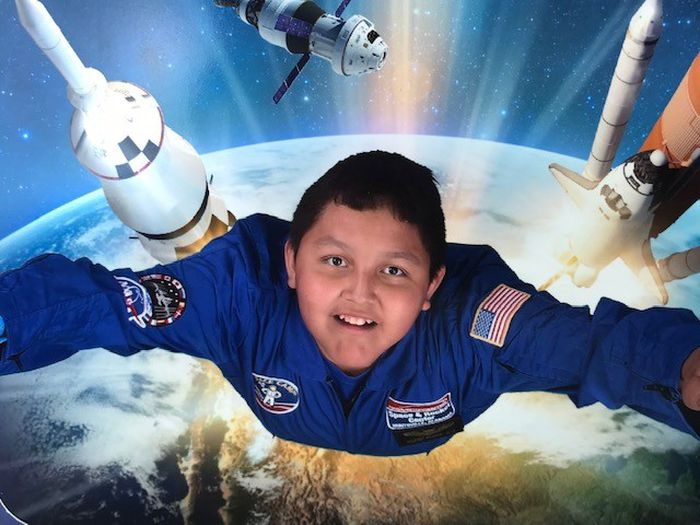 Space Camp helps fill hole in Canadian boy's heart